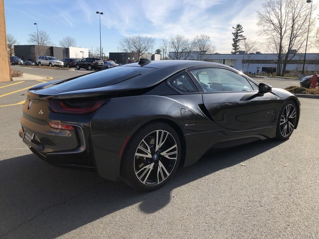 Pre-Owned 2015 BMW i8