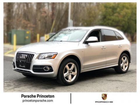 Pre-Owned 2011 Audi Q5 3.2L Premium Plus